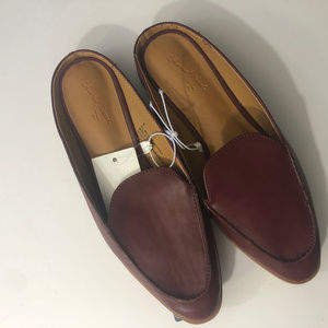 UNIVERSAL THREAD BURGUNDY AMBER WMS SZ 6 SHOES NWT